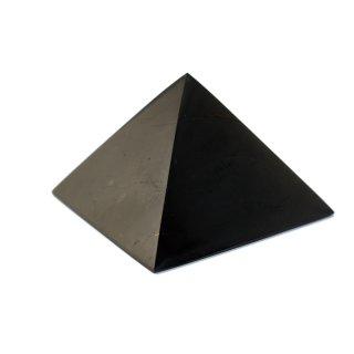 Schungit Pyramide poliert 10 cm