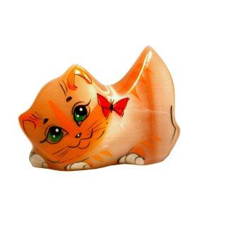 Selenitfigur Katze mit Schmetterling 4cm hoch aus orangenfarbenem Selenit